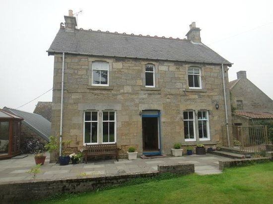 Wester Dura B&B & Cupar accommodations: view of cottage