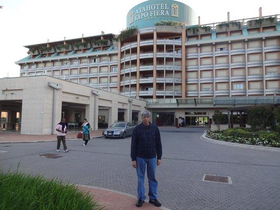 Atahotels Fiera: Entrance