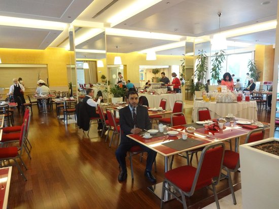 Atahotels Fiera: Breakfast