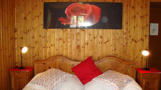 Hotel Hermitage: Our rustic room