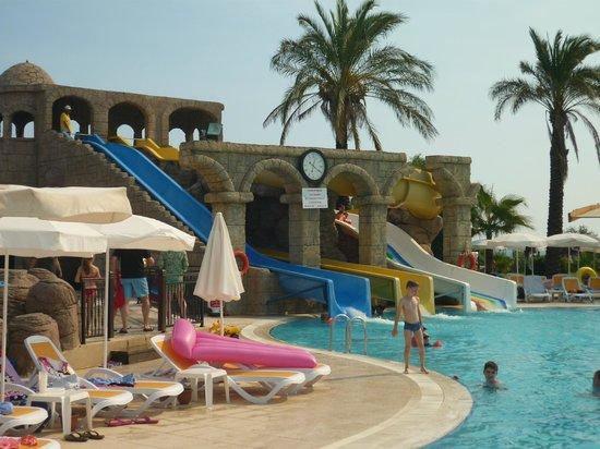 Club Hotel Felicia Village: les toboggans
