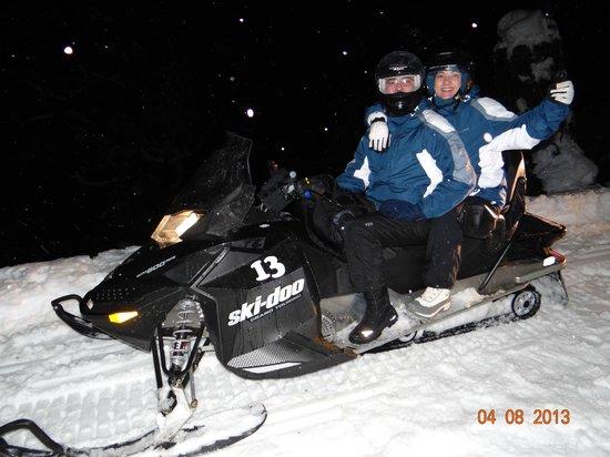 El Refugio en Arelauquen: Subida para o restaurante em snowmobil