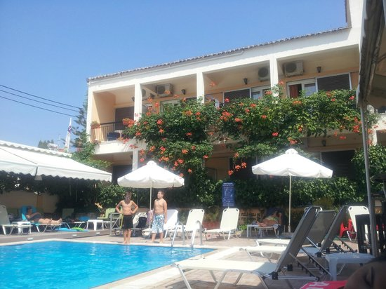 Hotel Telesilla: Pool area