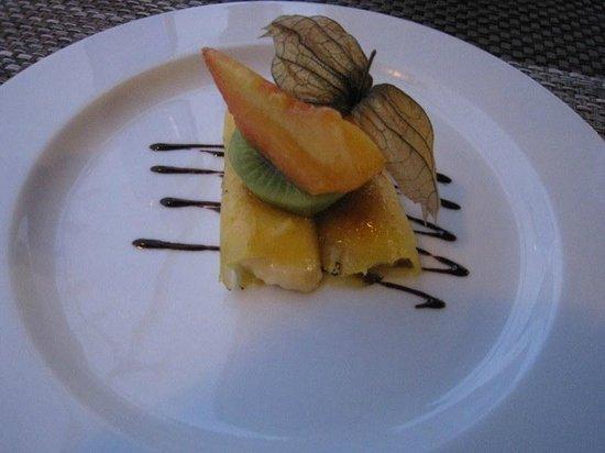 Hotel Restaurant Galena Mas Comangau : Enroulés d'ananas fourrés à la crème catalane