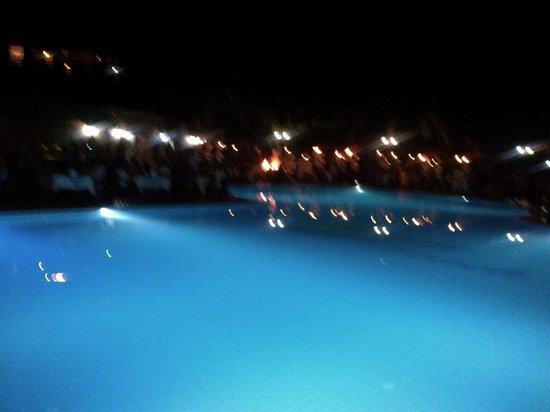 Sandy Beach: vue de nuit