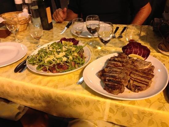 La Vecchia Osteria: tagliata con rucola e grana + fiorentina