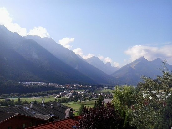 Hotel Waldhof: fantastic view on the beautiful Alps and Stubai Vally