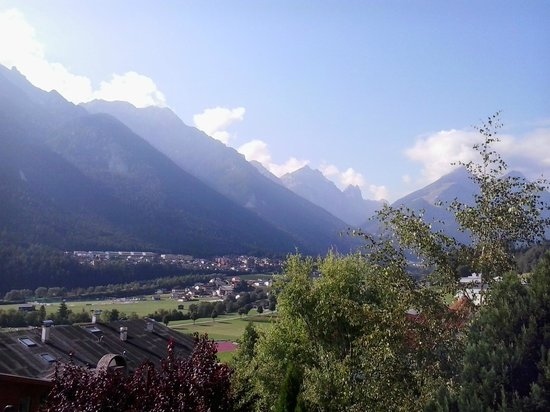 Hotel Waldhof: view from the terrace to the Alps and Stubai Vally