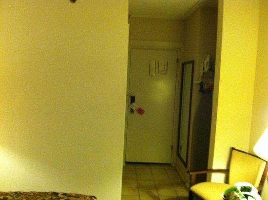 Ramada New Hartford: Room