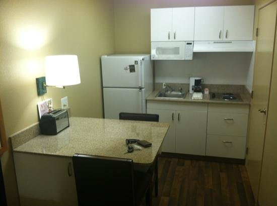 Extended Stay America - San Jose - Mountain View: solid surface counters in kitchen