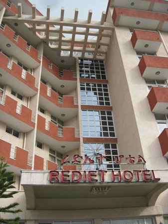 Rediet Hotel: the hotel