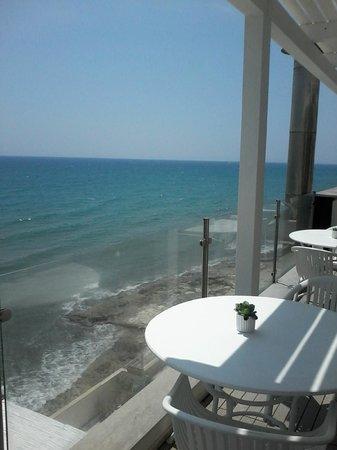 Acquamarina Hotel: Veranda prima colazione - vista mare