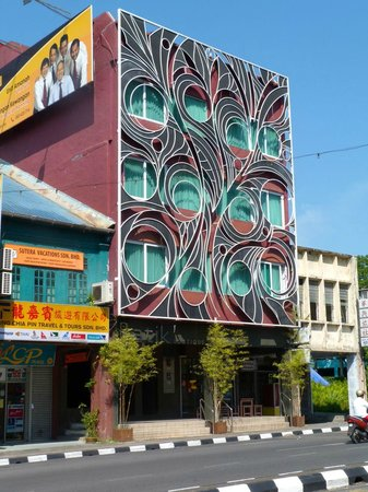 Batik Boutique Hotel: viewed from the street