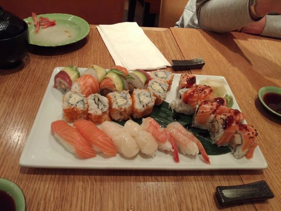 Sasa Sushi: Nigiri and roll selection !