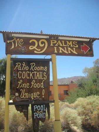 29 Palms Inn: L'entrée
