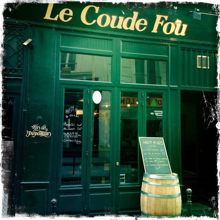 Le Coude Fou : View of LCF from the outside