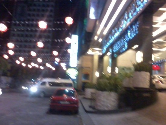 Manila Grand Opera Hotel: Outside