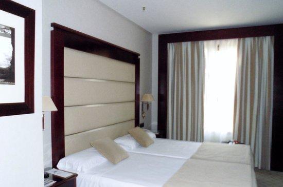 Hotel Valencia Center: nosso quarto