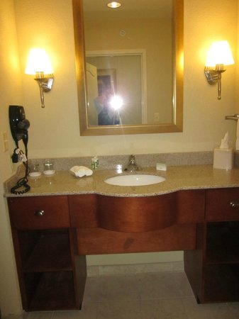 Homewood Suites Rochester - Victor: Vanity outside bathroom with lots of counter space