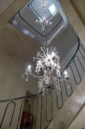 Best Western Plus Hotel D'Europe Et D'Angleterre : escalier conduisant aux étages