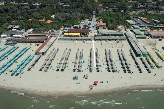 Spiaggia e ristorante di bagno lomi tirrenia foto di bagno lomi tirrenia tripadvisor - Bagno europa tirrenia ...