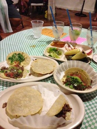 Tacos on the Street: Tacos extravaganza
