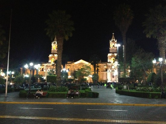 Beausejour Boutique Hotel: Arequipa at night
