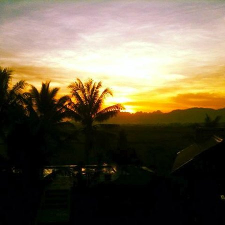 Sunset Valley Holiday Houses: Only one of the magnificat sunsets