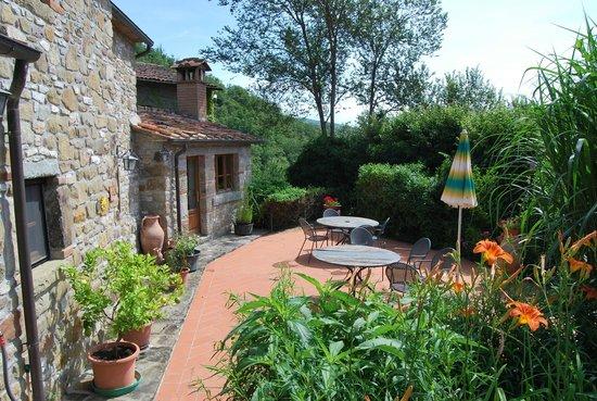Agriturismo Ca de Carlicchi: Idyllisch gelegene Terrasse zum Ausspannen