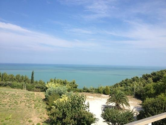 Hotel Beatrice: Vista dal solarium di pomeriggio