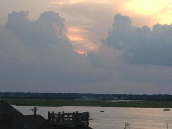 Blockade Runner Beach Resort: Marsh view