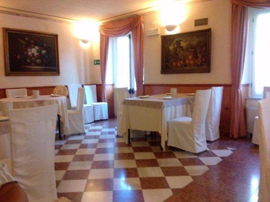 Hotel Roma Imperiale: sala colazioni