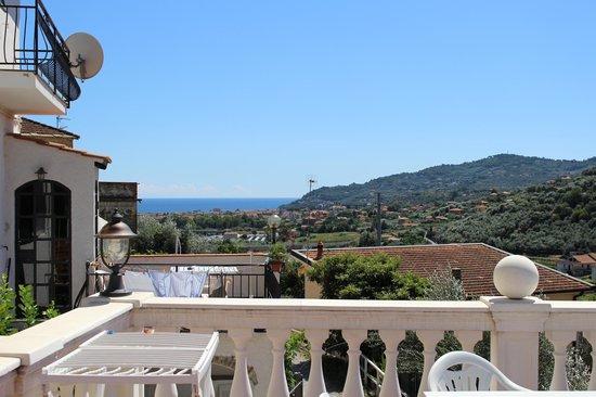 Azienda Agrituristica Bellavista: vista dalla veranda