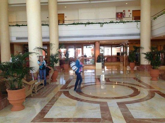 Grupotel Parc Natural & Spa: Rezeption/Lobby