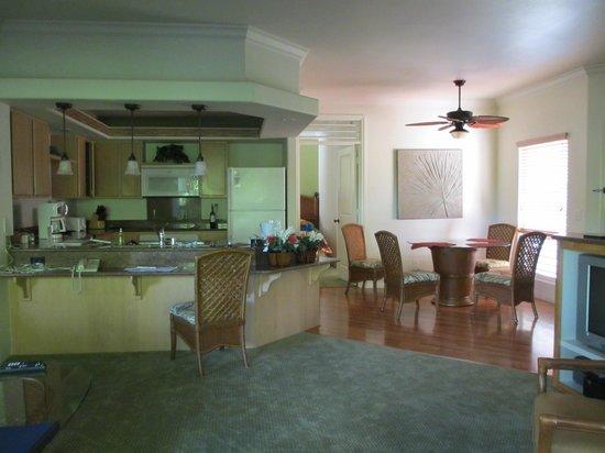 Wyndham Bali Hai Villas: interior shot of the condo