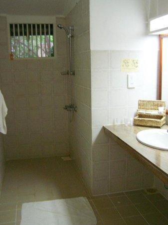 Sigiriya Village Hotel: bathroom