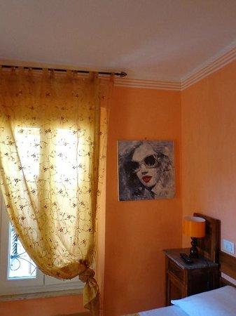 Albergo Morlacchi : art work in my room