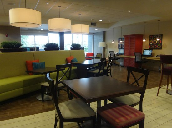 Home2 Suites by Hilton Jacksonville : Lobby area multi function