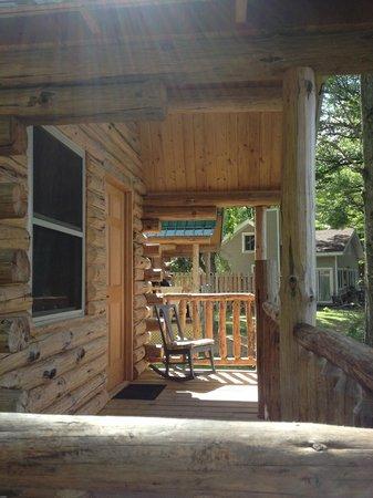 Bluegill Lake Campground: Log Cabin Porch
