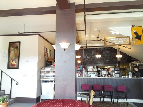 Park & Main Cafe: You dont go away hungry!