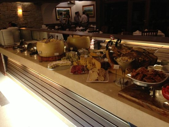 Churrascaria Vento Haragano : One of the food selections