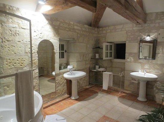 Chateau de la Motte : The Knight's Bathroom
