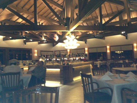 Churrascaria Vento Haragano : Looking across the restaurant