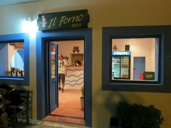 IL Forno: Wood fired oven!