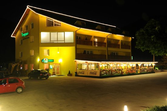 Penzion Terchova: Penzión_nočný pohľad (Pension_night view)