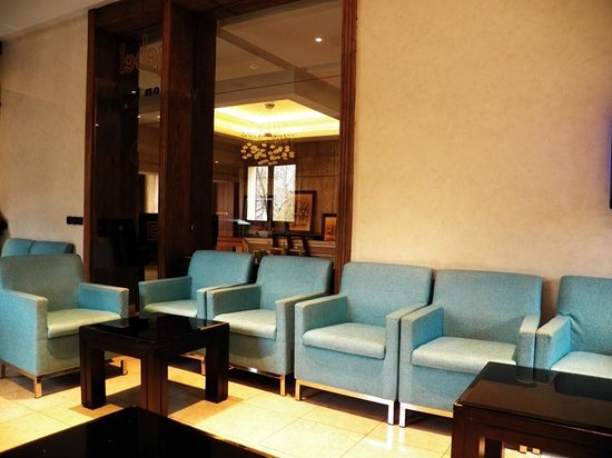 Hotel des Perce-Neige : Bar Djebel