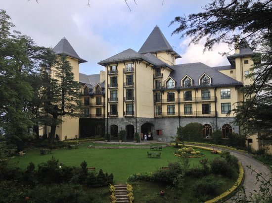 Wildflower Hall, Shimla in the Himalayas: hotel front side