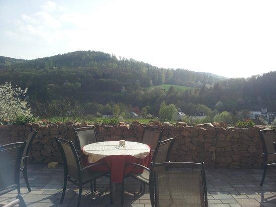 Lahnromantik: Der Ausblick von der Terrasse