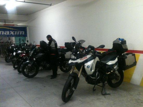 Sport&Wellness Hotel Cristallo: Garage