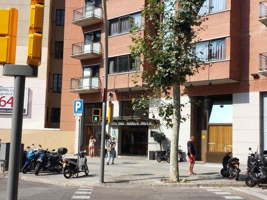 Hotel Catalonia Sagrada Familia: Esterno